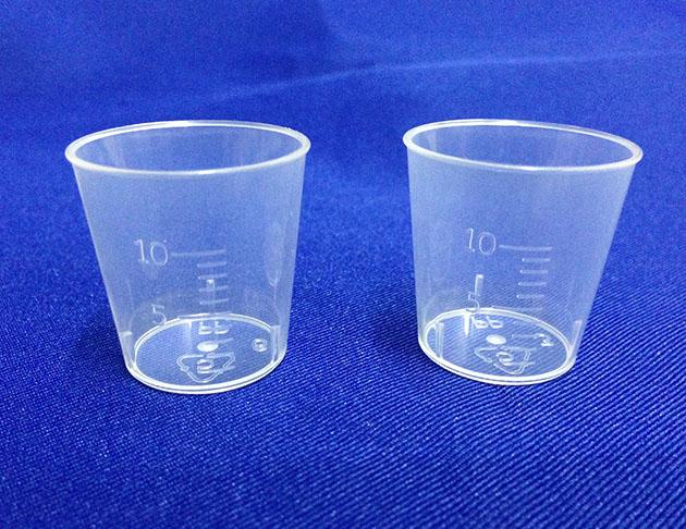 塑膠量杯-10cc 1
